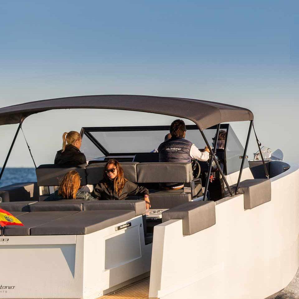 De Antonio Yachts D33 open