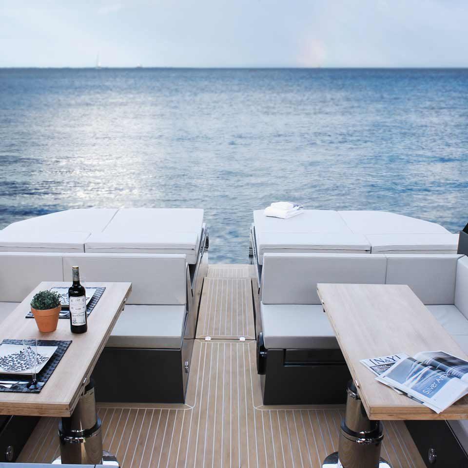 De Antonio Yachts D43 open